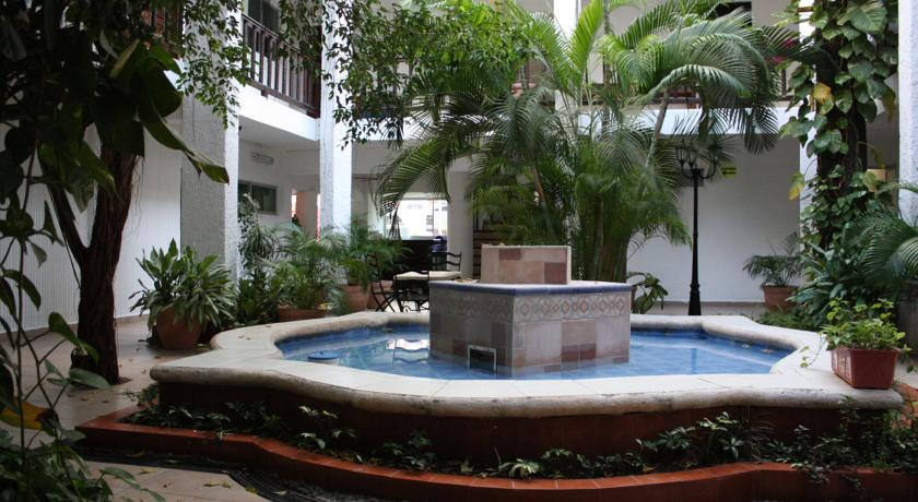 Hotel Colonial Cancun2