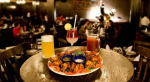 Disfruta de una rica cena Crown Paradise Club Cancun