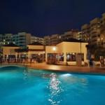 Hotel The Royal Caribbean de noche