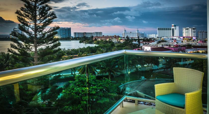 Vista nocturna Ocean Dream BPR cancun
