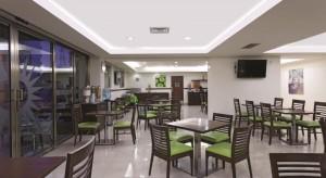 restaurant 2 Hotel LQ by La Quinta Cancun