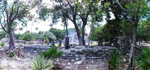 Zona Arqueologica en Cancun El Meco