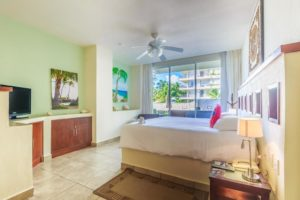 Beautiful Ground Floor Two Bedroom Suite at Ixchel