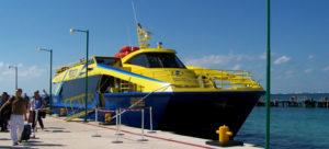llegar a isla mujere en ferry