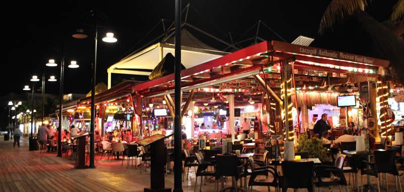 area de comida plaza la isla